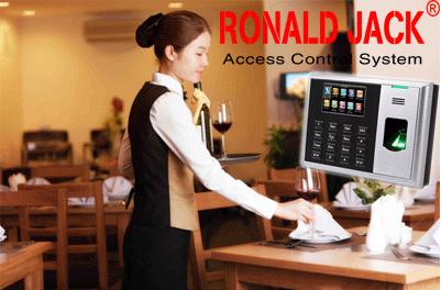 Giải pháp sử dung máy chấm công trong quản lý nhà hàng, khách sạn